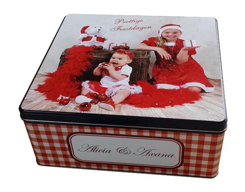 Gepersonaliseerde koekendoos met foto en tekst als origineel kerstcadeau